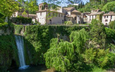 La cité médiévale Saint-Guilhem-le-Désert et ses sentiers de randonnée